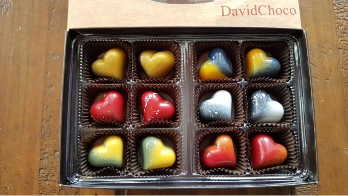 Coeur en chocolat - Boîtier de 12 chocolats